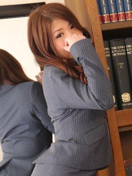 ウララ秘書1